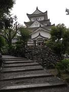 雨の大垣城