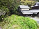 上野城から南南東2kmにある道路か見た五…