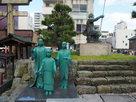 三姉妹の像