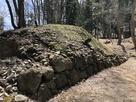 枡形虎口の石垣…