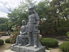 真田信之と小松姫石像…