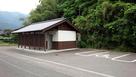 平田城 トイレと駐車場…