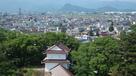 鶴ヶ城干飯櫓の先に見える向羽黒山城…