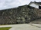 様々な積み方の石垣…