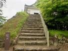 多聞櫓内部に続く階段…