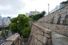 公園に登る階段から…
