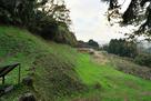 総構 山ノ神堀切西の土塁と空堀…