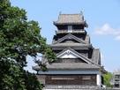 宇土櫓(二の丸広場から)…