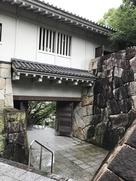 櫓門(南側入口を内側から)…