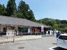 愛知02道の駅 鳳来三河三石のすぐ後ろに…