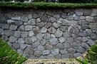江戸城外堀跡の石垣…