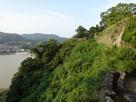 本丸の石垣と熊野川…