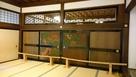 襖絵と麻の葉の欄間…