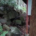 本丸にある神社裏の石垣…