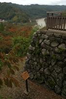 水の手不明門跡と櫓台、千曲川