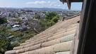 丸岡城『笏谷石の瓦』越しの眺望