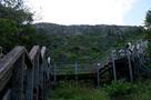 登り口から石垣全体…