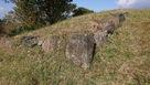 山頂に残る石垣…