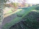 二の曲輪・三の曲輪間の堀と畝…