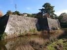 本丸石垣と水堀(内堀)