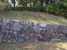 北門跡にある復元石垣…
