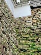 天守台石垣の継ぎ足し跡…