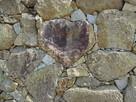 天守台石垣にあるハート型の石…
