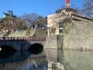 御本城橋と瓦御門跡…