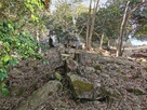 二の壇北側の列石…
