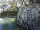 北御門脇の石垣と水堀…