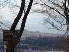 本丸跡から眺める彦根城…