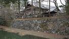 内堀跡と復元された石垣