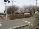 碑と案内板(反対側から)…