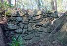 主郭下の石積