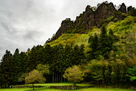 潜龍院跡と岩櫃山…