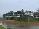雨の島原城