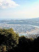 城跡から見た錦帯橋と瀬戸内海…