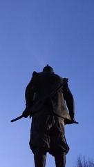 今の大阪城を目にし立ち尽くす殿下…