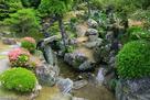 表御殿庭園 築山からの枯滝石組み