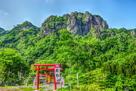 密岩神社からの岩櫃山