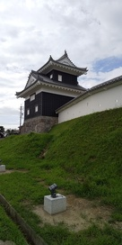 復元された二の丸丑寅櫓・土塀…
