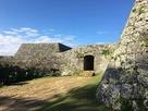 ニノ郭アーチ門と城壁…