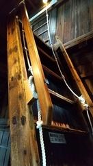 天守内の階段