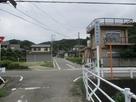 西側駐車場への入口(「山寺」バス停付近)…
