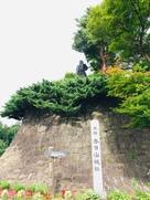 銅像と城碑