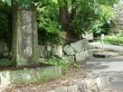 丑寅櫓前の入り口石碑…