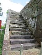 天守台上部への階段②