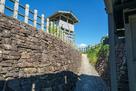 郭2の城門から入る…
