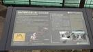 四谷門跡の向かいの掲示板…