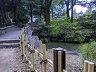 下茶屋公園の池…